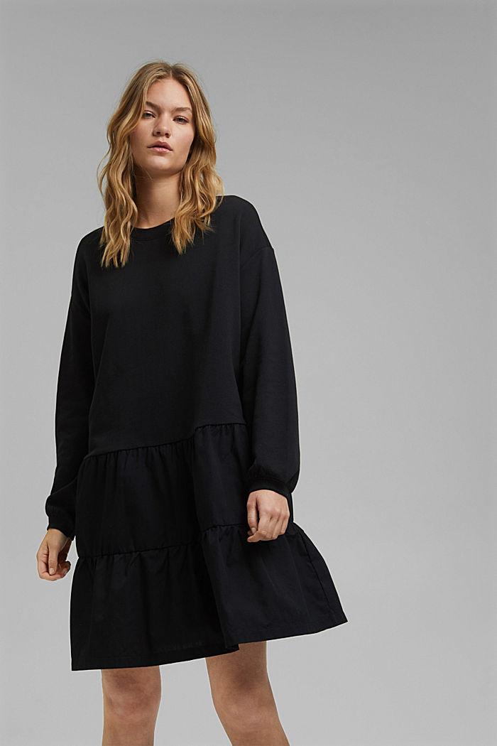 Vestido de felpa confeccionado en una mezcla de tejidos