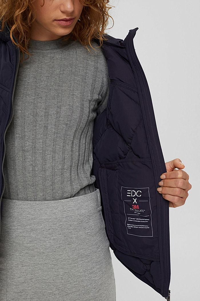 En matière recyclée: la veste matelassée à teneur en 3M™ Thinsulate™, NAVY, detail image number 4