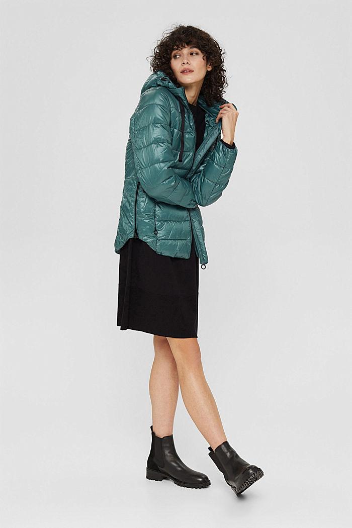 Gerecycled: lichte, gewatteerde jas met capuchon