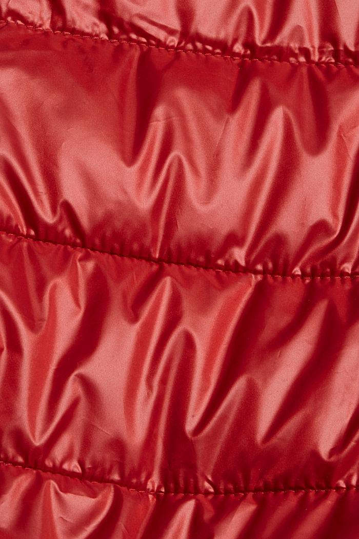 Reciclada: cazadora ligera con diseño acolchado y capucha, DARK RED, detail image number 4