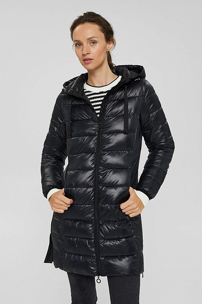 En matière recyclée: le manteau matelassé léger à capuche, BLACK, detail image number 0