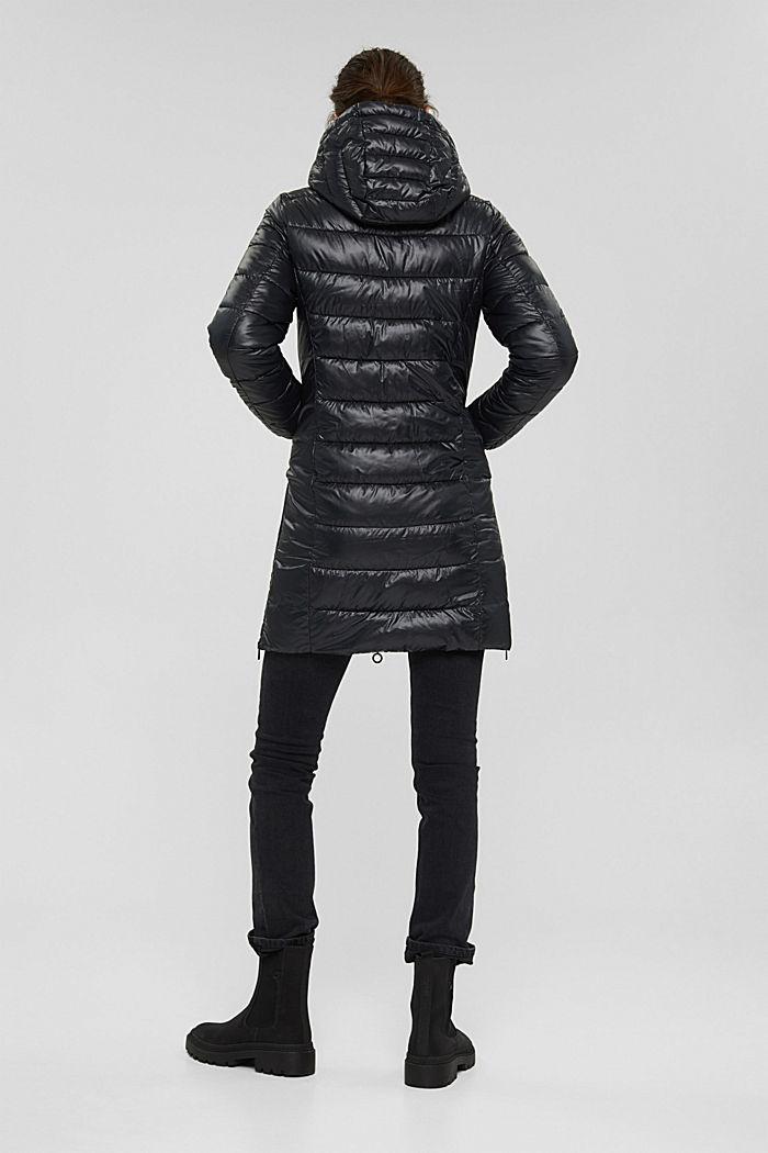 En matière recyclée: le manteau matelassé léger à capuche, BLACK, detail image number 3