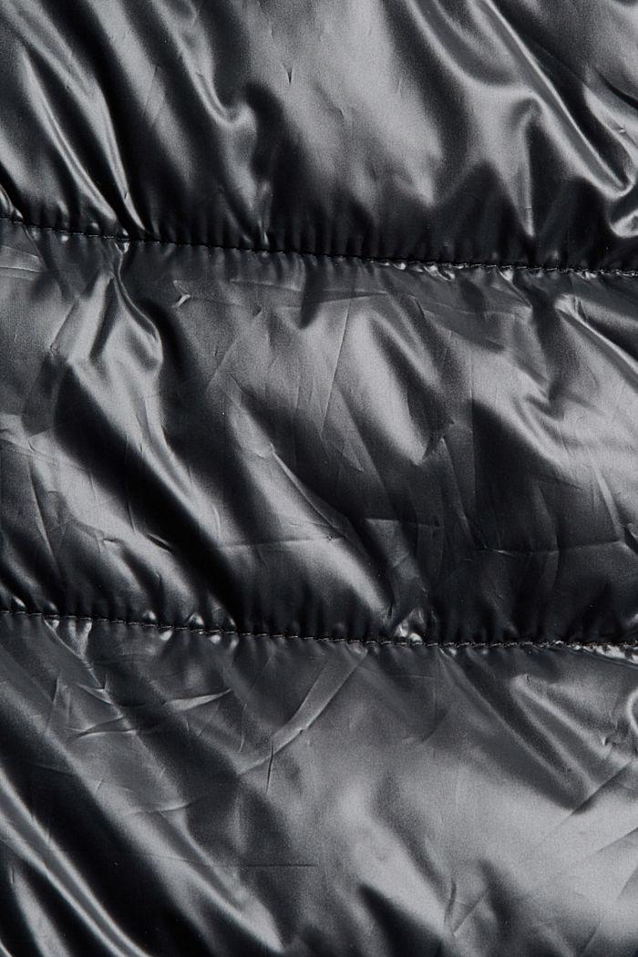 En matière recyclée: le manteau matelassé léger à capuche, BLACK, detail image number 4