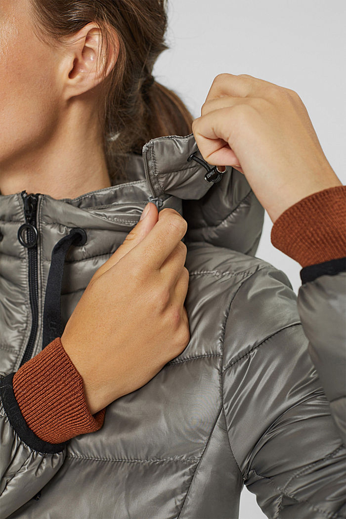 Recycled: lightweight quilted coat with hood, LIGHT GUNMETAL, detail image number 2
