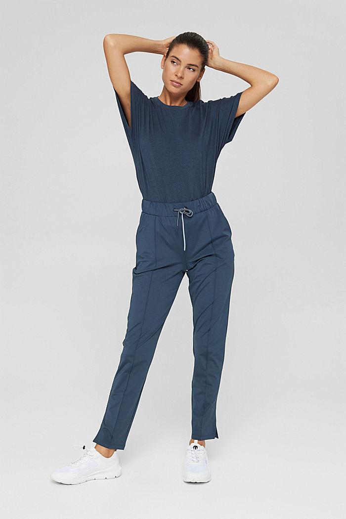 En matière recyclée: le pantalon de sport à coutures décoratives, NAVY, detail image number 1
