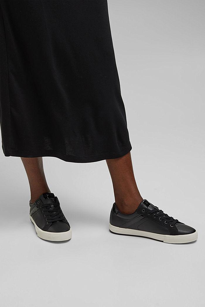 Sneaker aus Materialmix in Lederoptik