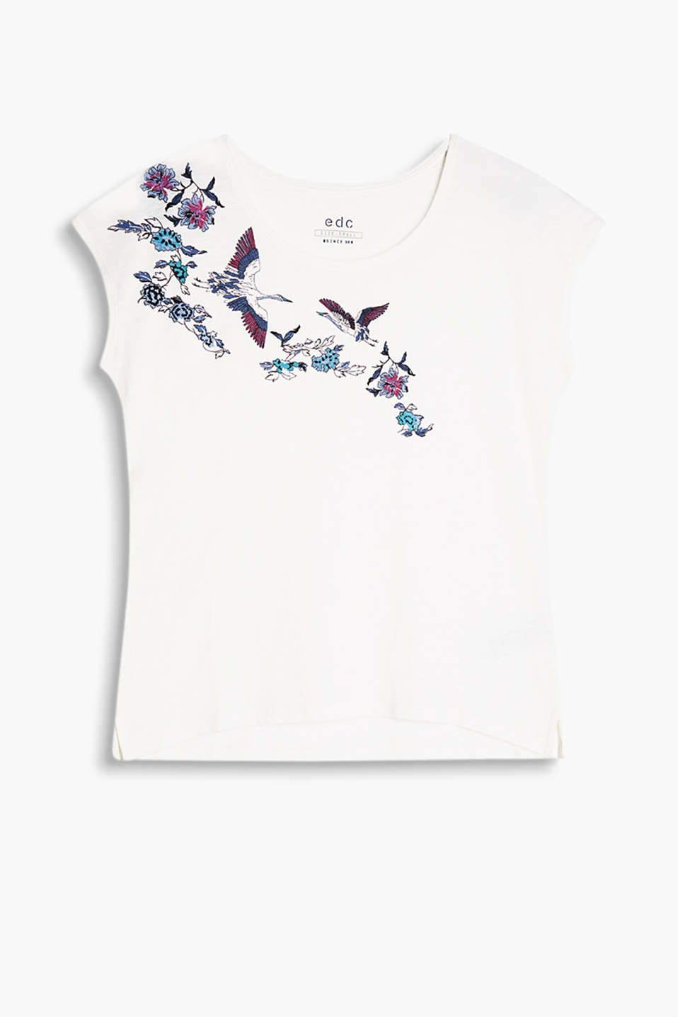 T-shirt with a positioned front print and cut-on sleeves