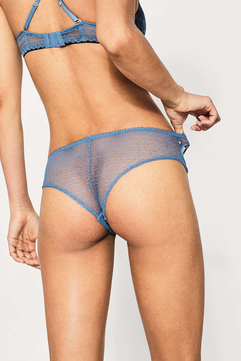 Brazilian hipster shorts in lace
