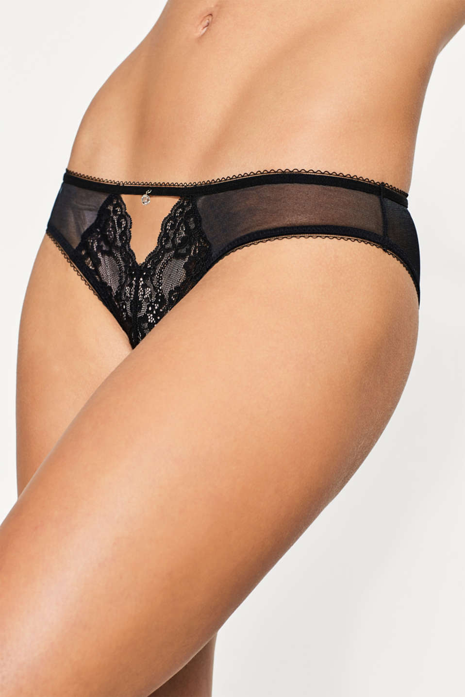 Hipster briefs in tulle and lace