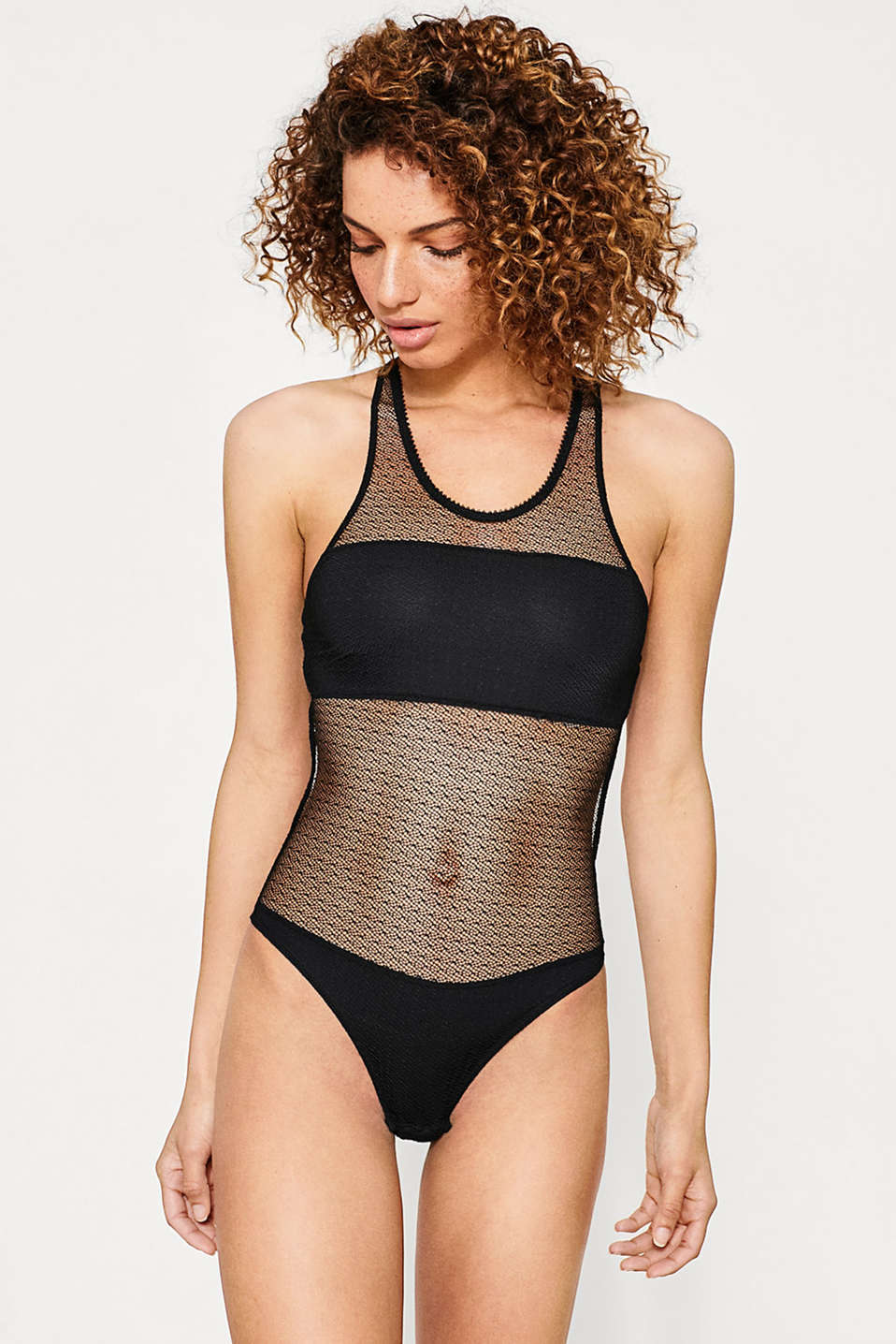 edc - Soft body in graphic lace