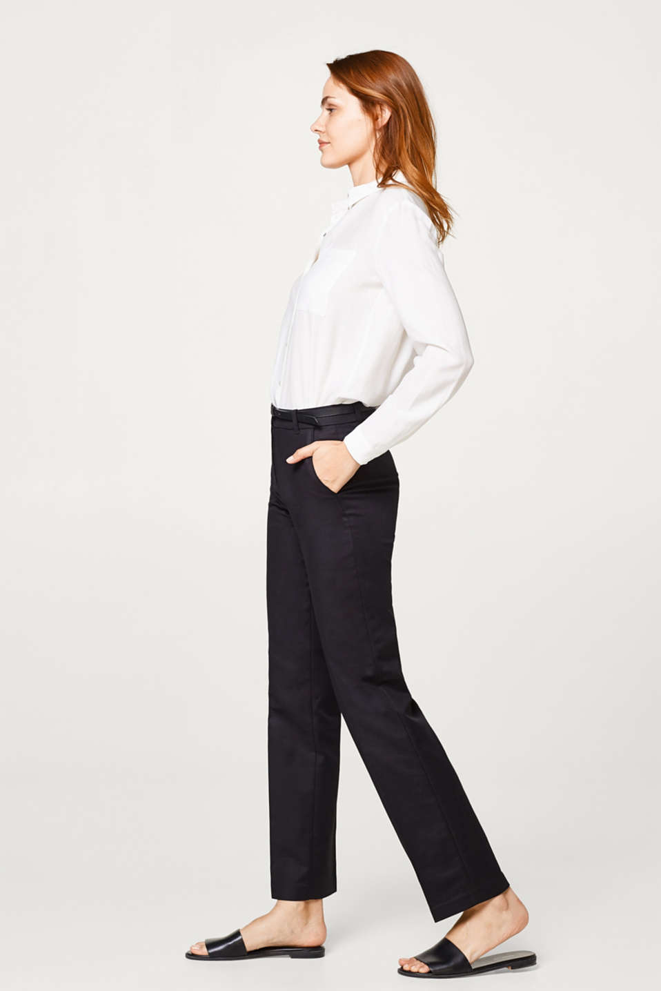 Esprit - Trousers in firm stretch satin, with a belt