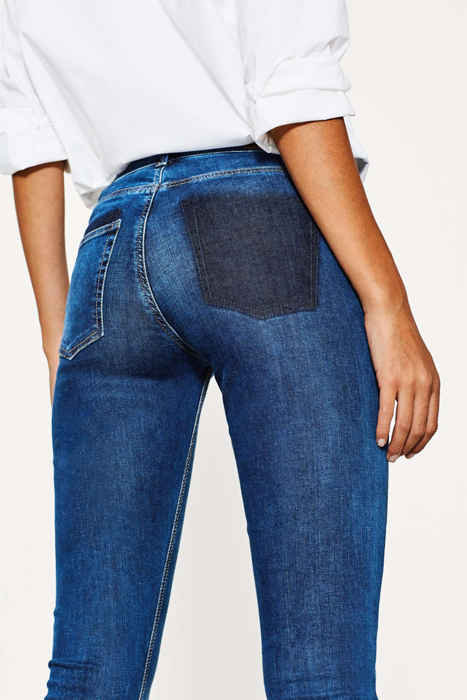 Jean usé délavé, en denim stretch