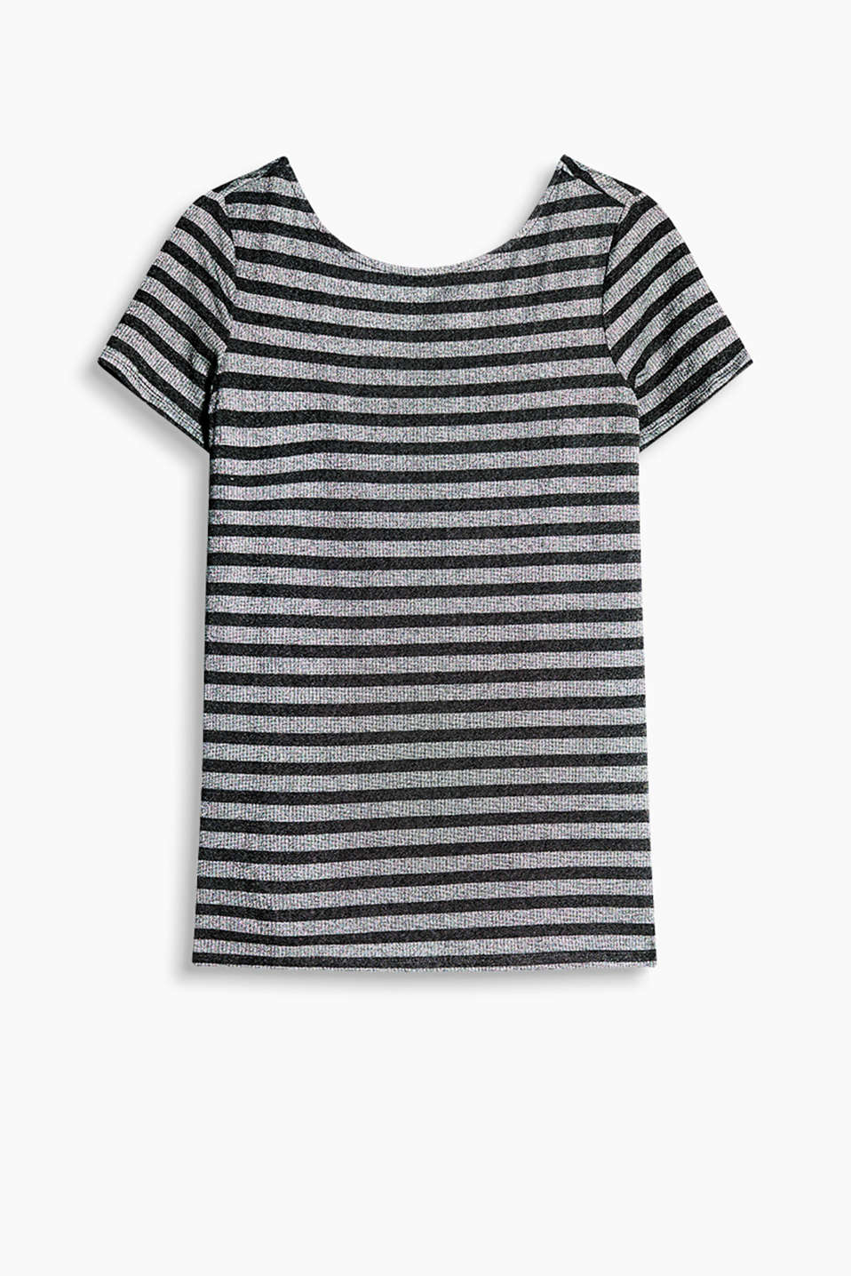 Fabric blend T-shirt with a low back neckline