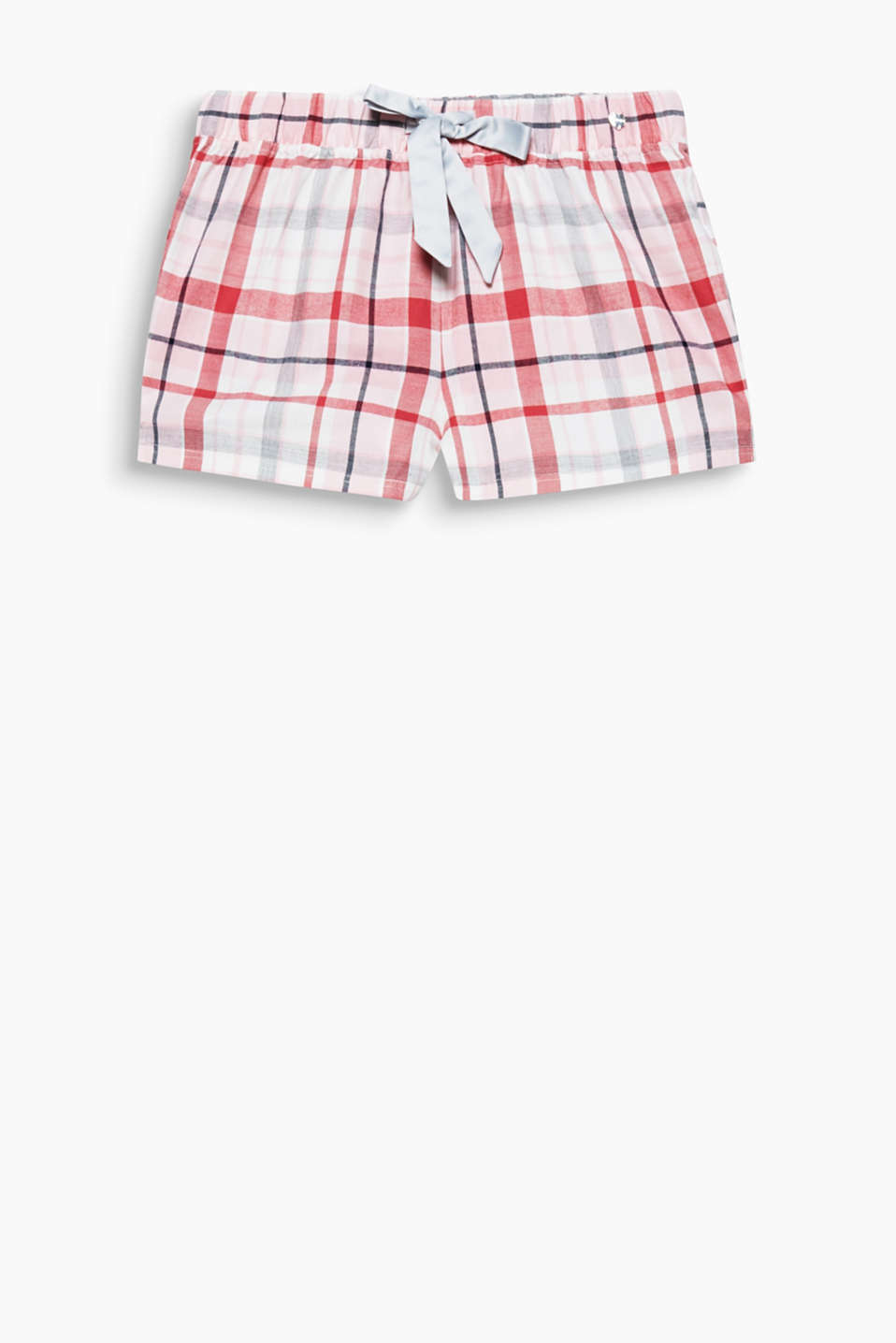 Fine flannel for sweet dreams: check shorts with an elasticated waistband and a wide satin ribbon