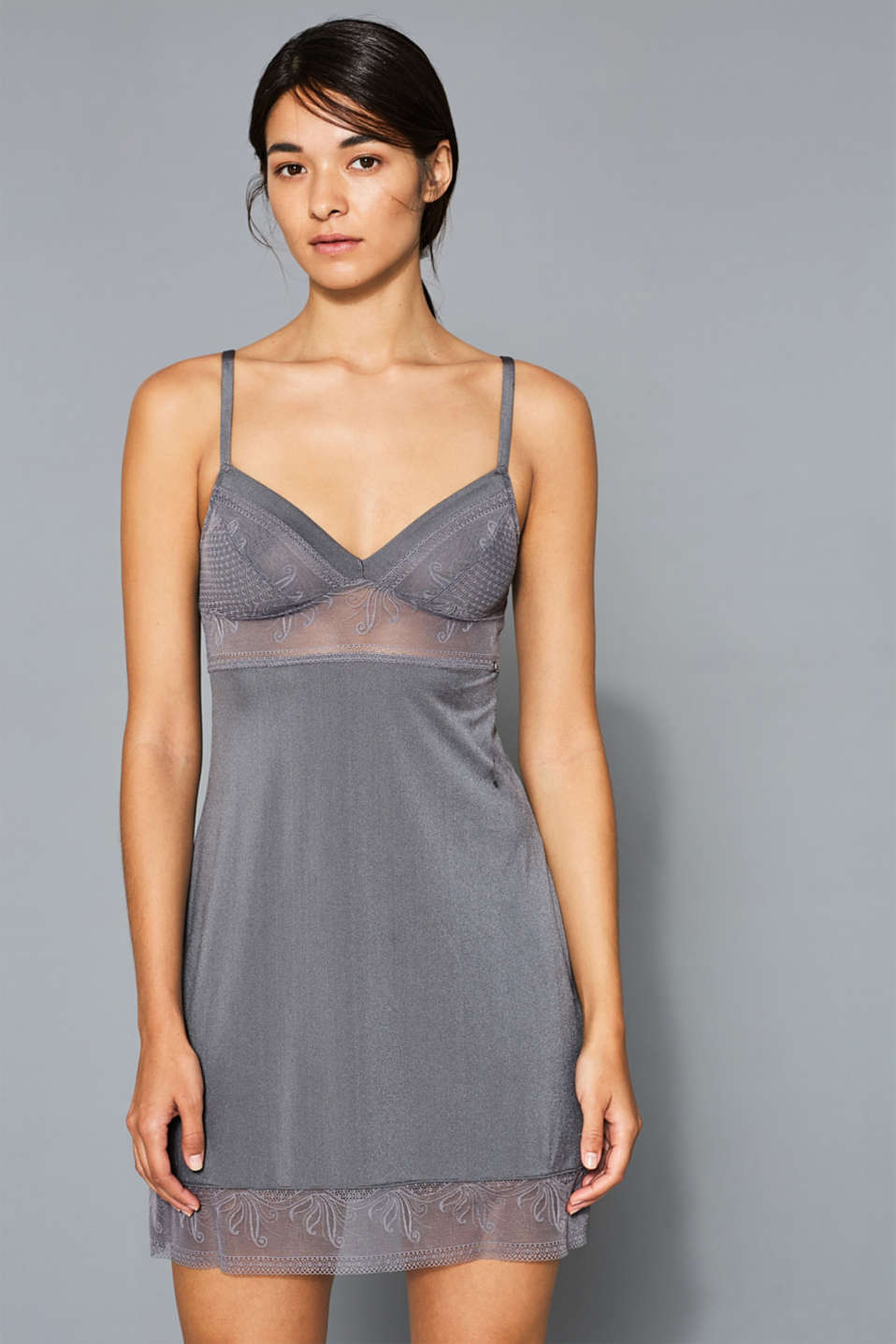 Esprit - NYE silky chemise with filigree lace