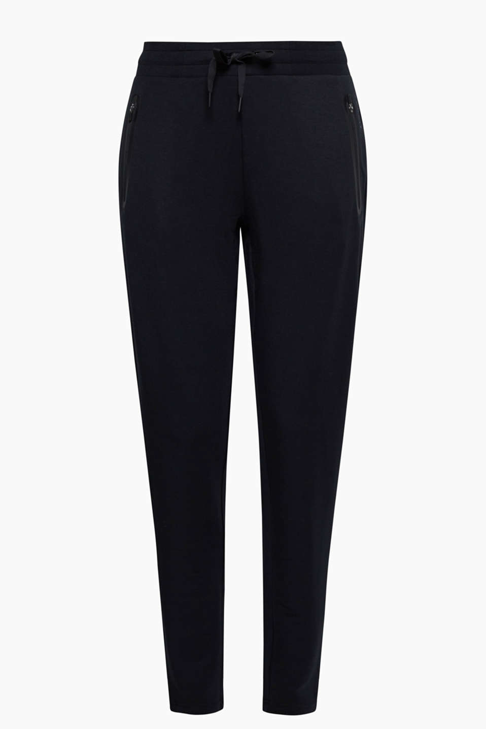 These comfortable jersey bottoms with zip pockets are your leisure piece for all occasions - whether for sport or relaxing!