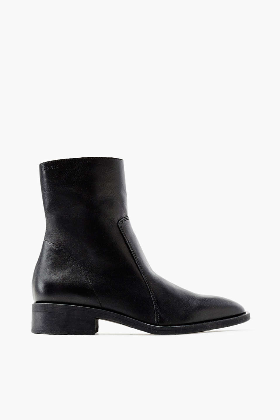 -Calf-length boots in smooth cowhide with a practical inside zip