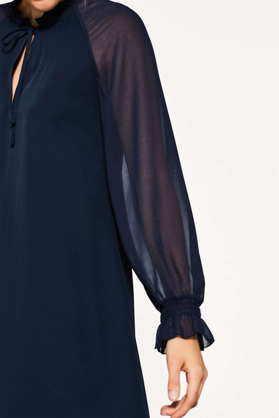 Esprit - Crêpe dress in a flowing A-line
