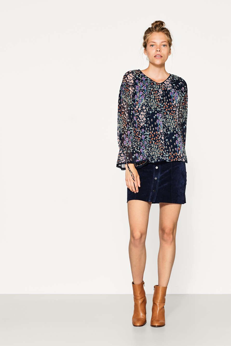 esprit zarte chiffon bluse mit blumen print im online shop kaufen. Black Bedroom Furniture Sets. Home Design Ideas