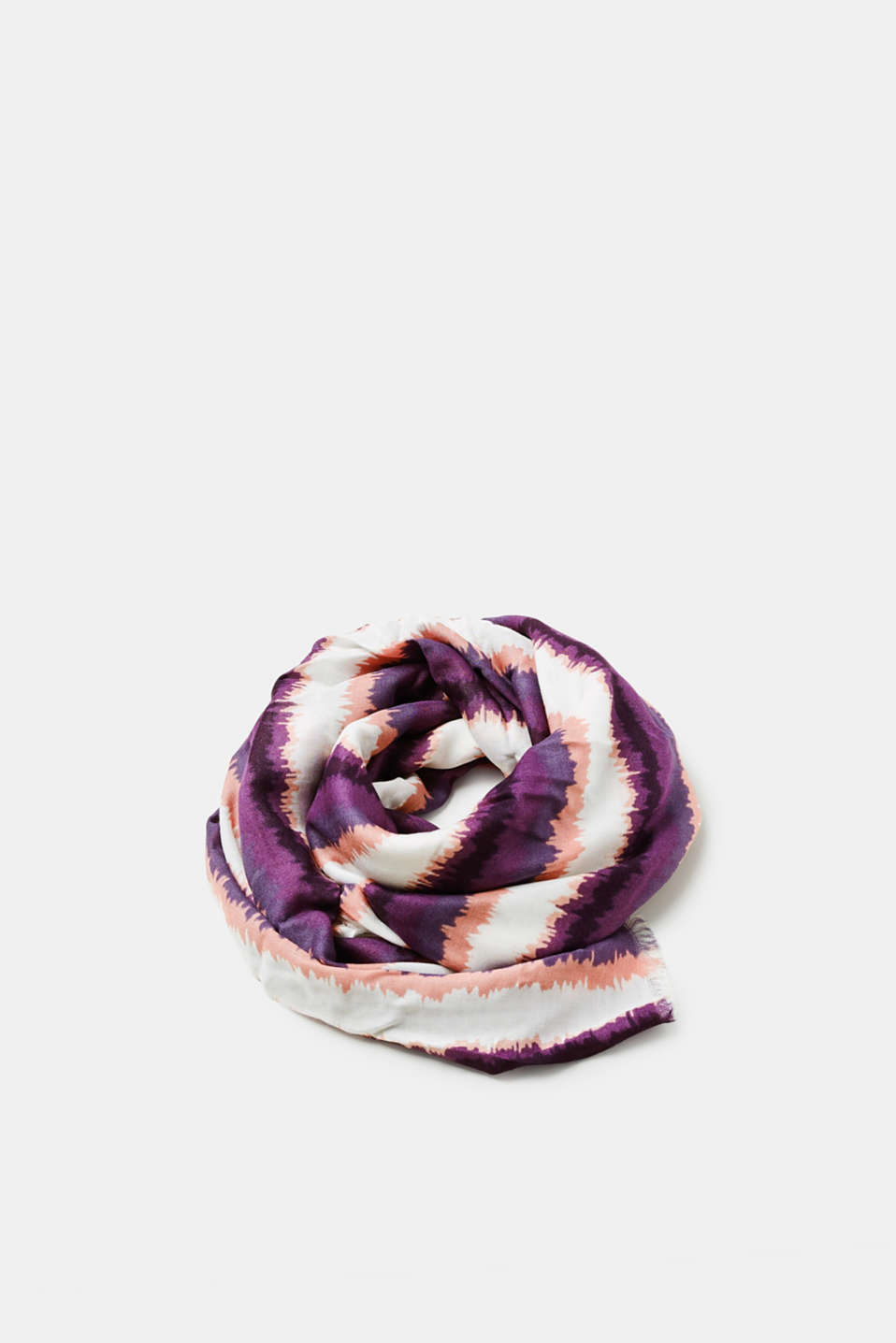 This striped look with a watercolour effect gives this scarf a modern look.