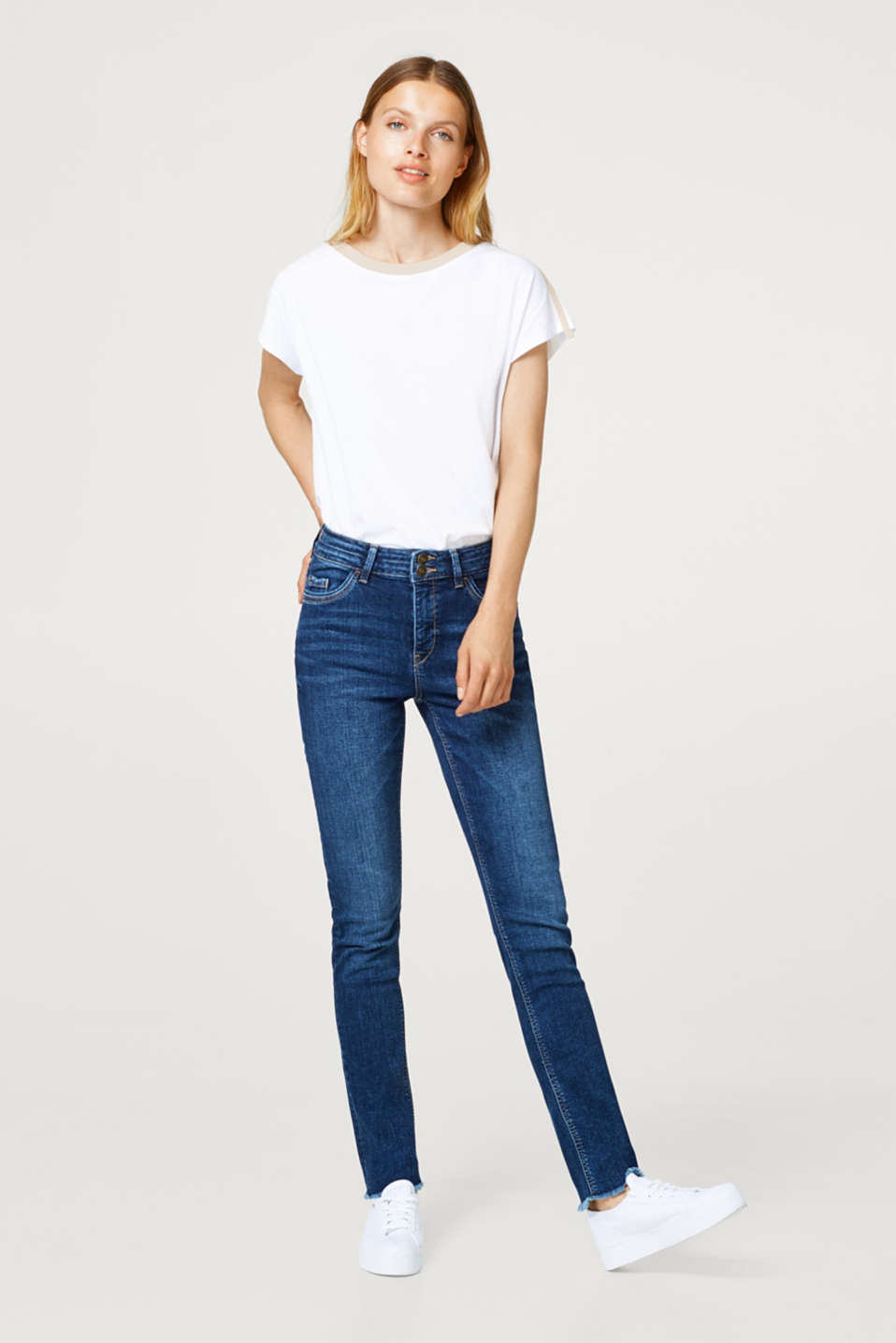 edc - Stretch jeans with two buttons and frayed hems