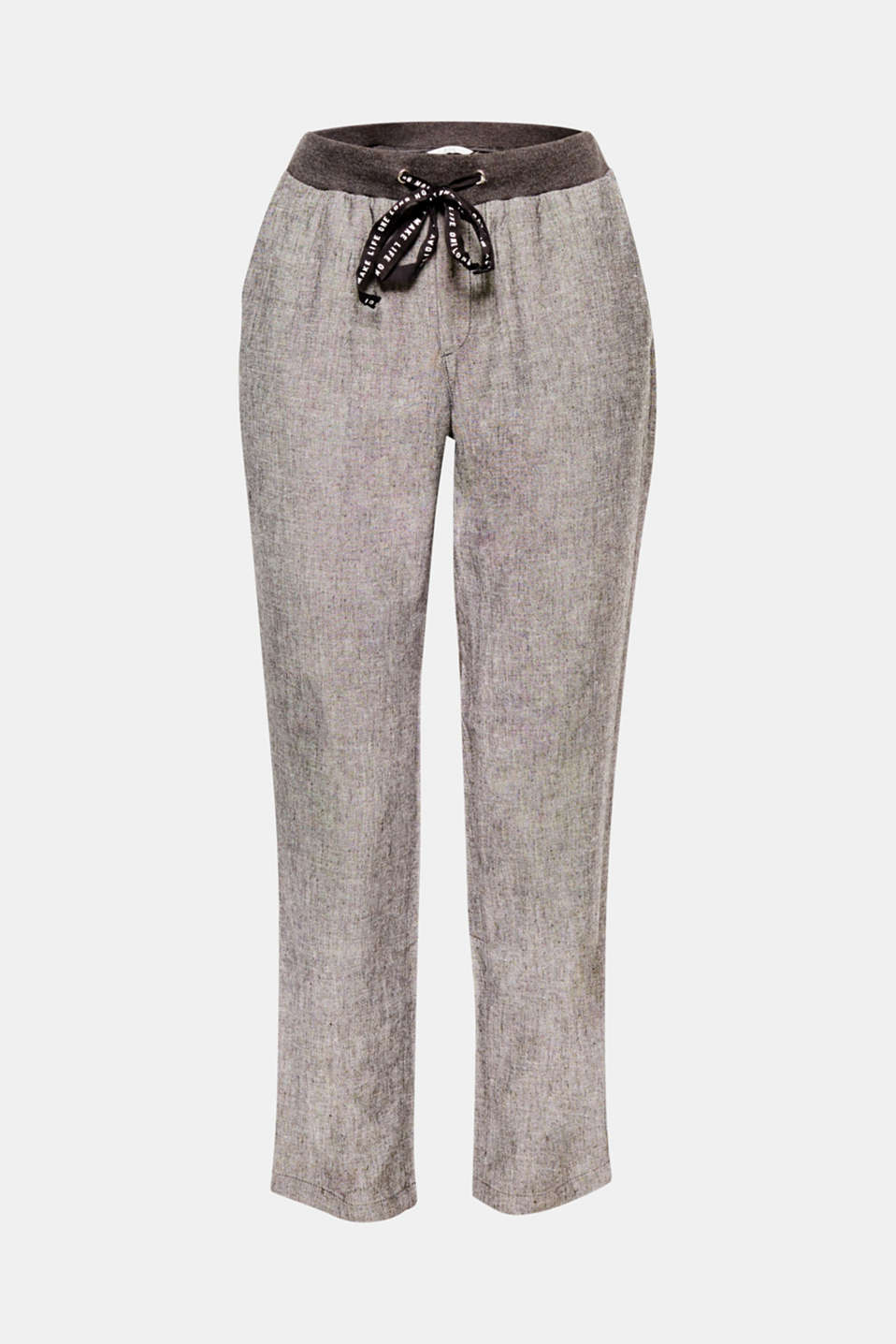 These melange tracksuit bottoms with airy linen, cropped leg length and a drawstring with printed lettering are so easy and chic at the same time.