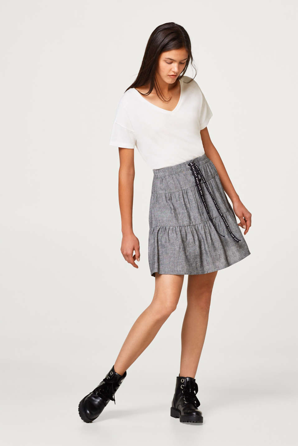 With linen: Tiered skirt with lacing detail