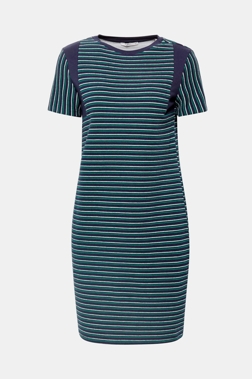 The perfect combination of cute and sporty! This t-shirt dress in textured jersey is guaranteed to quickly turn into your new favourite.