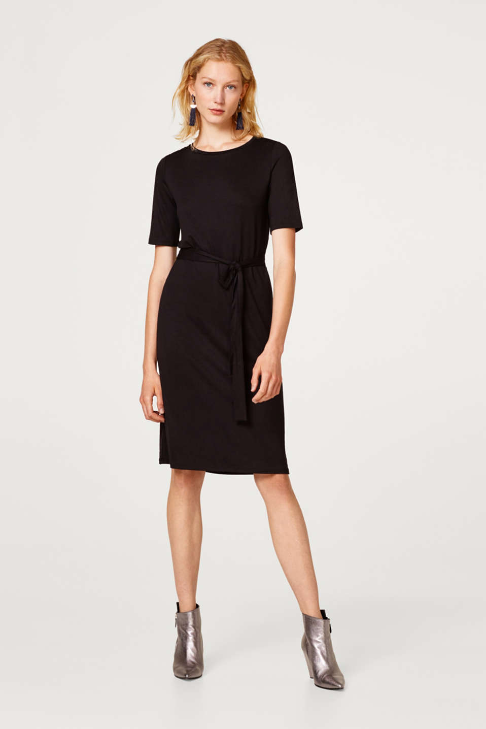 Midi jersey dress with stretch and a belt