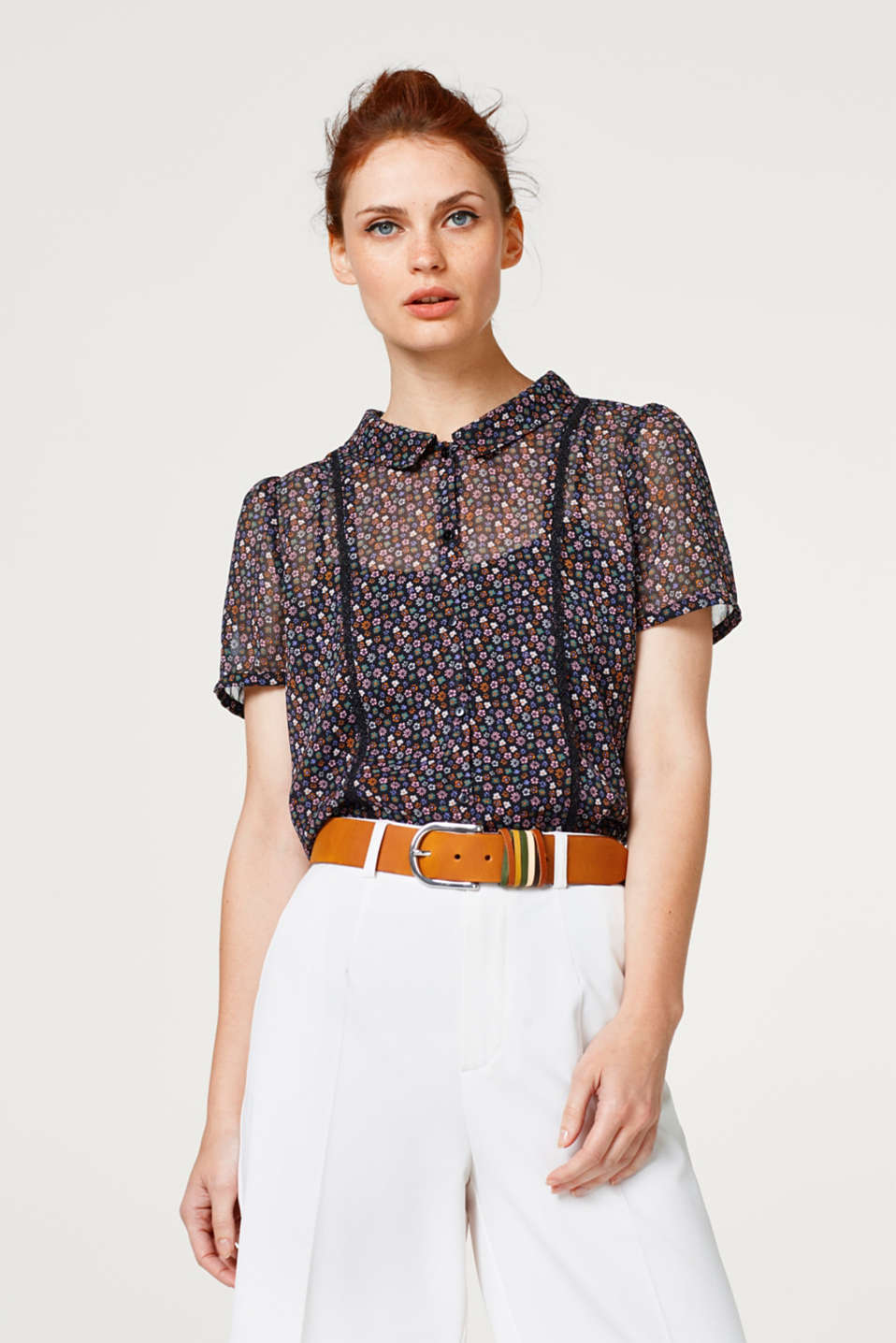 edc - Two-in-one blouse made of chiffon with a floral print