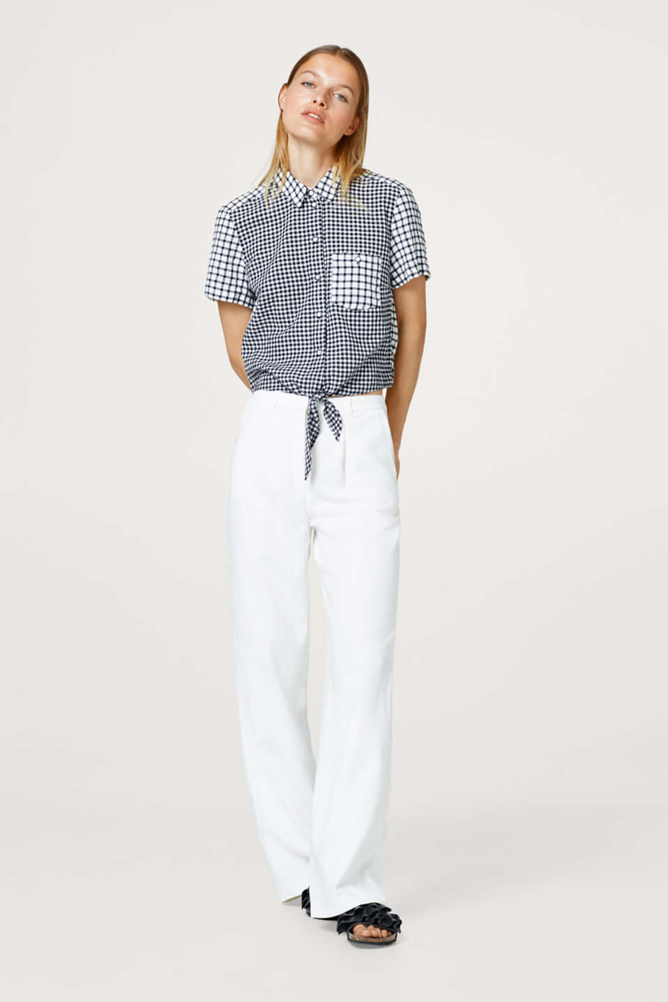 Cropped check blouse with knot details