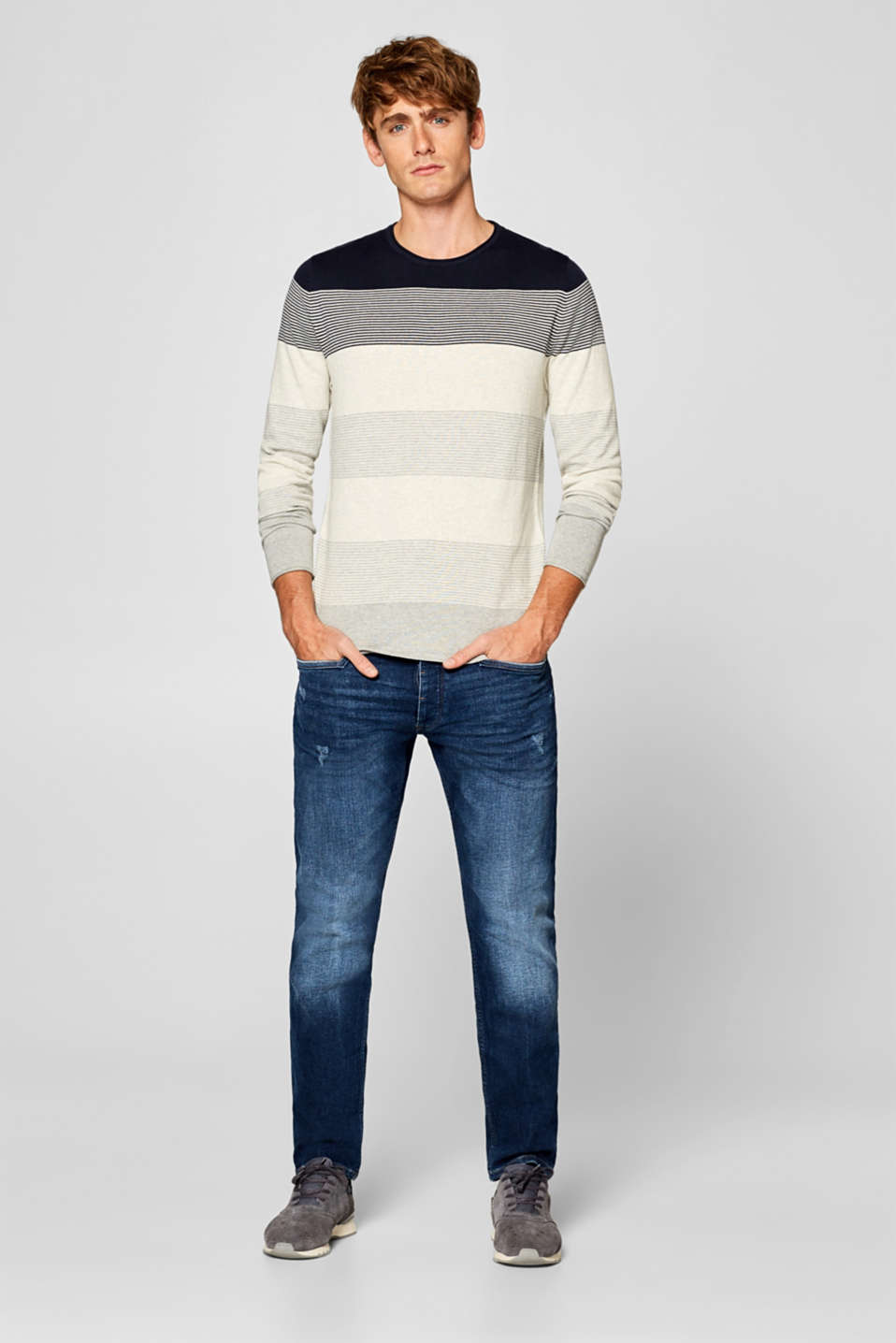 Fine knit jumper with block stripes