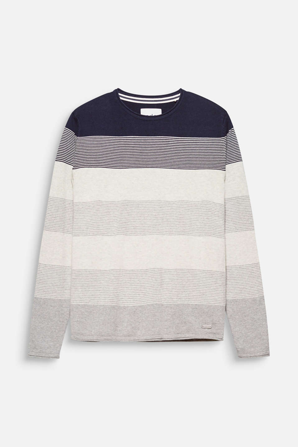 Sporty block stripes and soft fine knit yarn make this jumper a timeless style favourite.