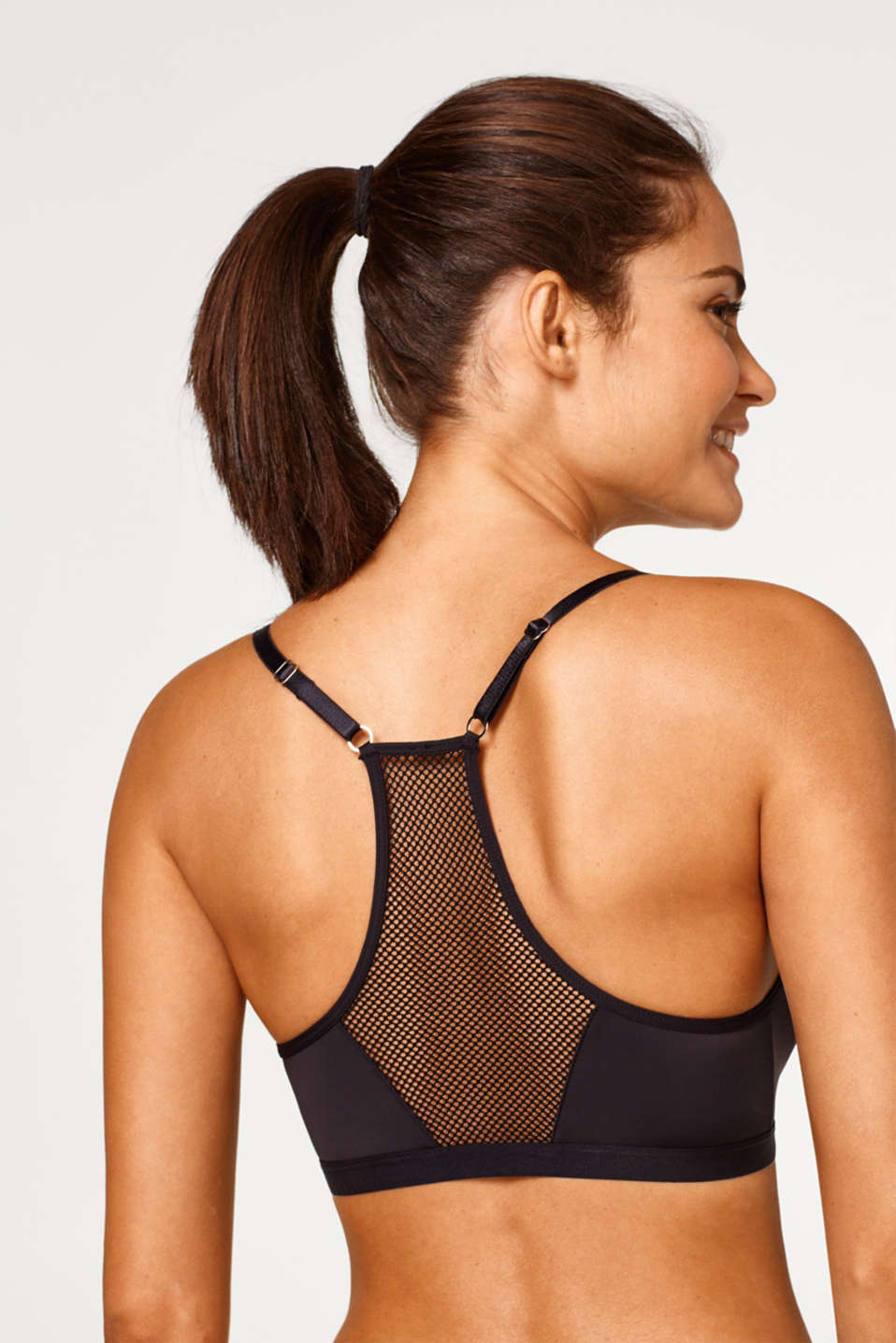 Unreinforced bodice with mesh and racer back