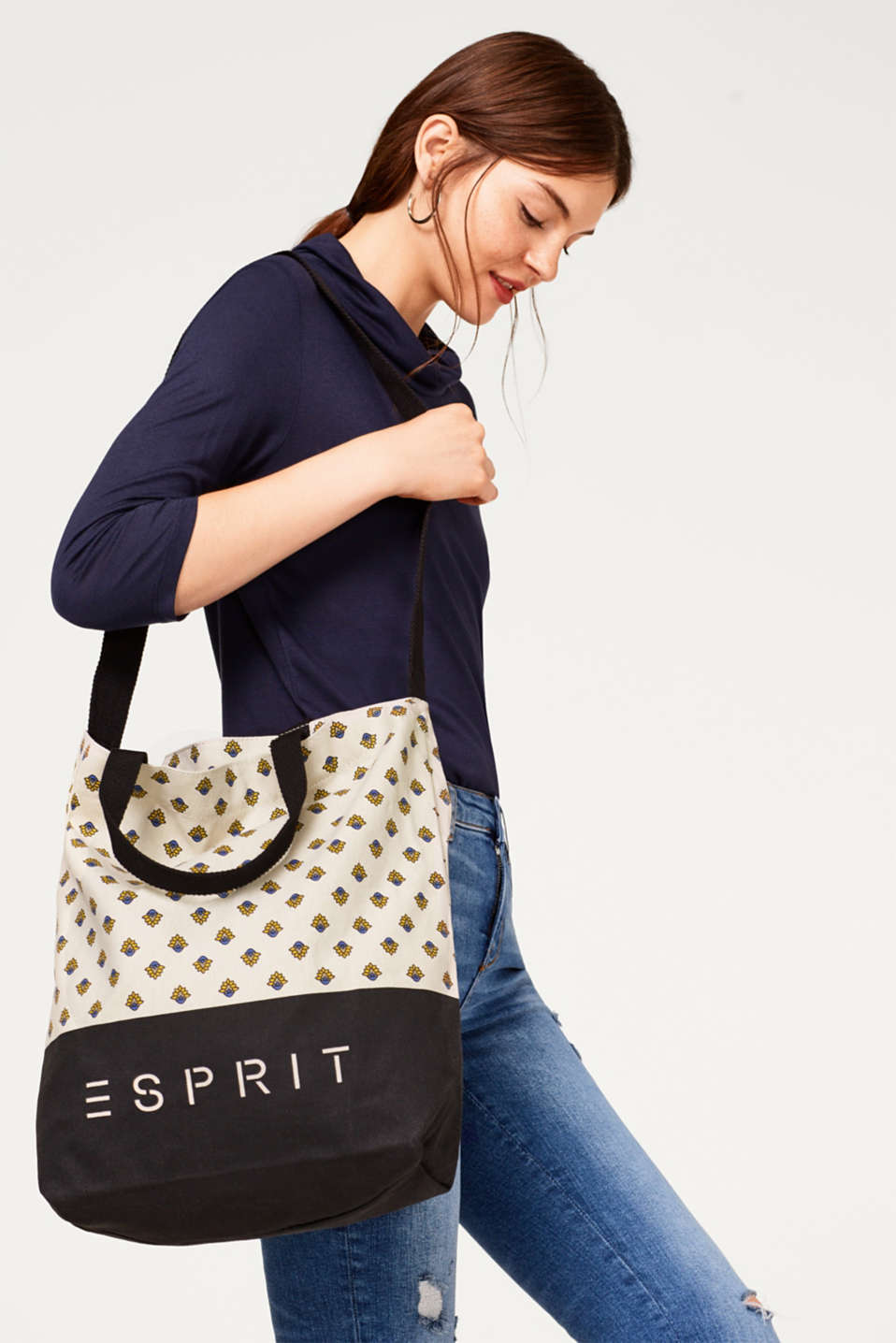 Canvas tote with an all-over print