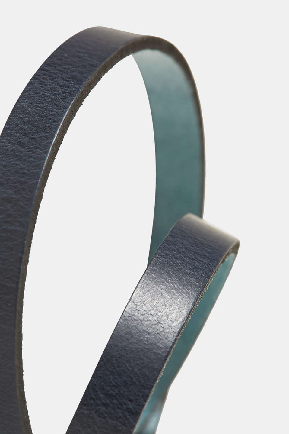 Narrow belt with a metal buckle