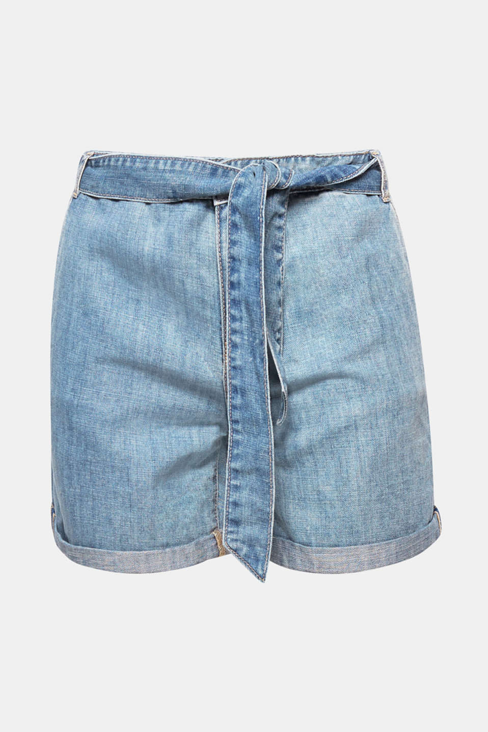 Keeping your look relaxed is easy in these denim shorts made of airy blended cotton and linen in a casual fit with a tie-around belt!
