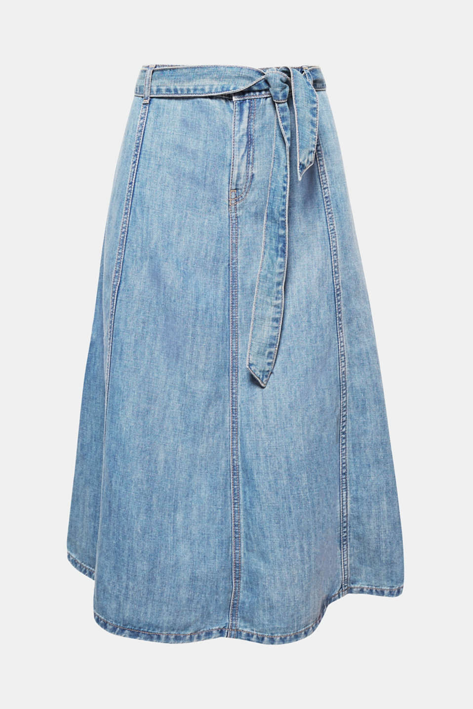 Denim at its best: This swirling denim skirt in a classic A-line design with a tie-around belt is sure to add a cool, fresh kick to your summer outfit!