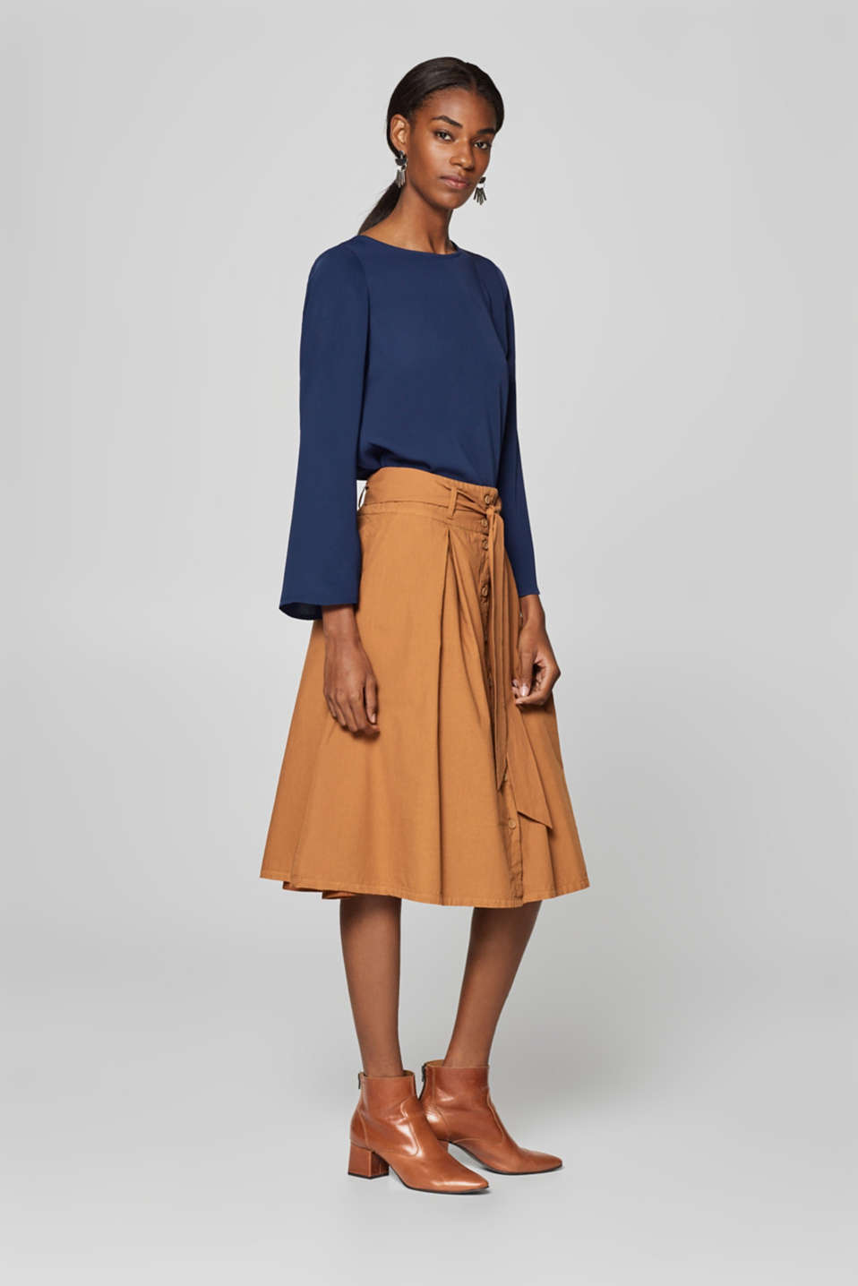 Midi skirt with button placket, 100% cotton