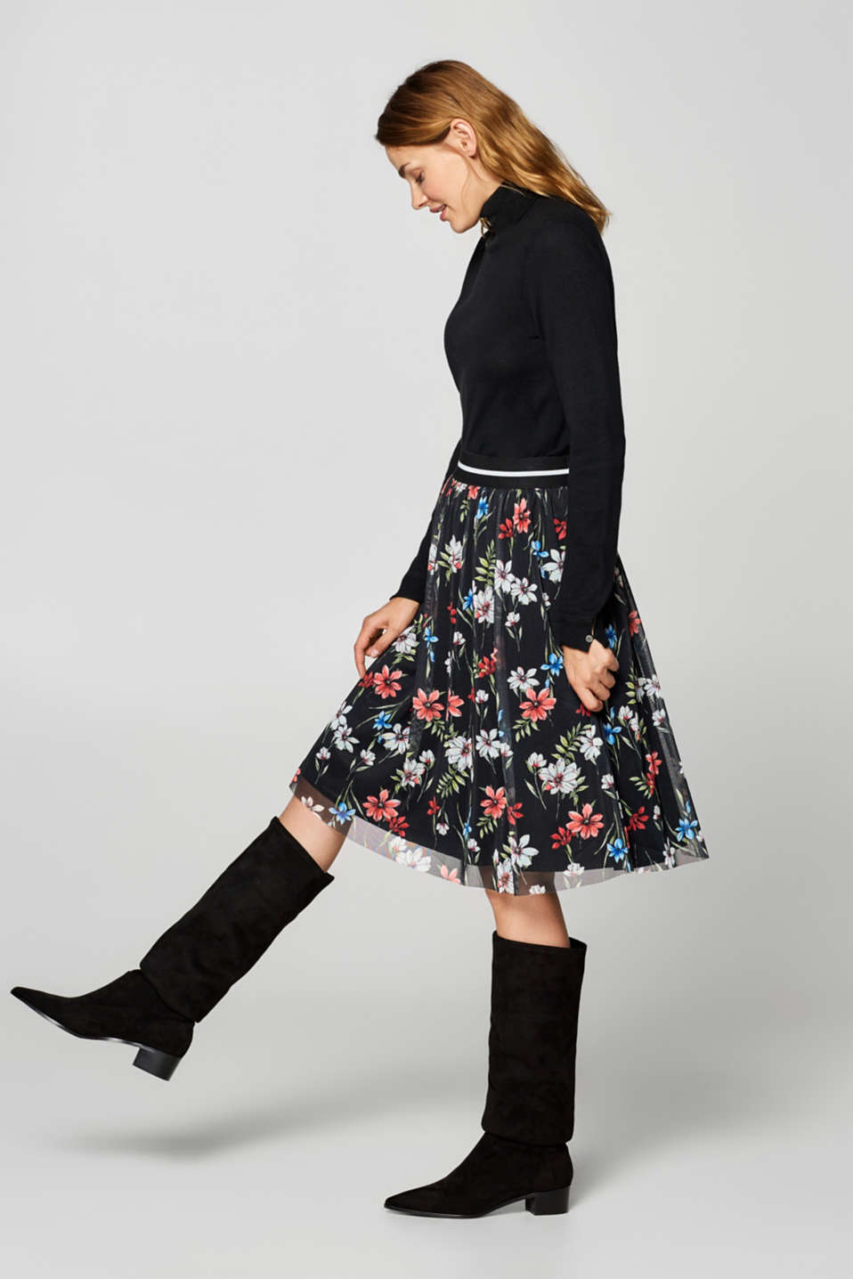 Midi-length tulle skirt