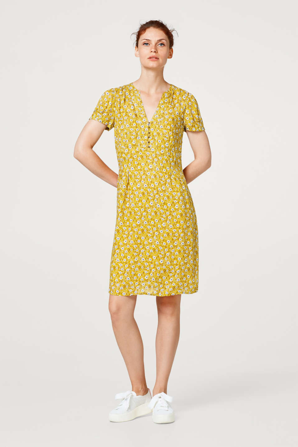 Dress with a floral print and Henley neckline