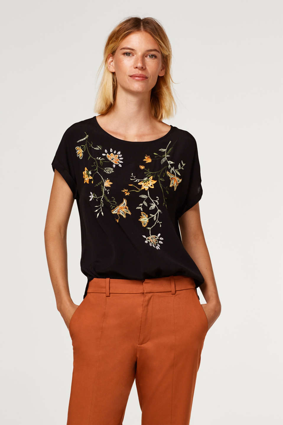 Esprit - Blouse top with floral embroidery