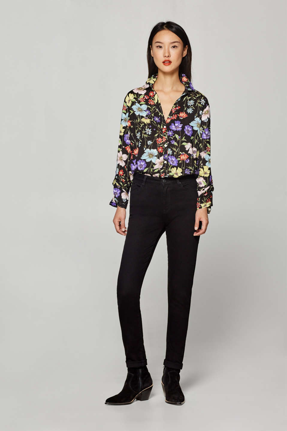Print blouse with turn-up sleeves