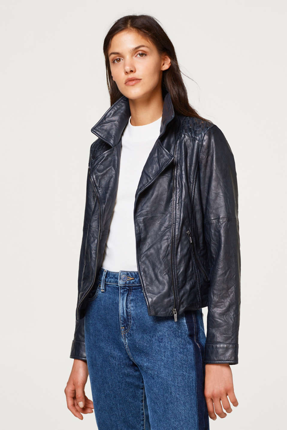 Esprit - Fitted leather jacket in a biker look
