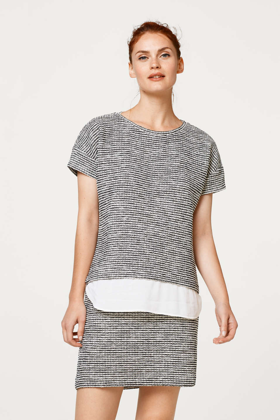 Esprit - Textured top with a cloth hem