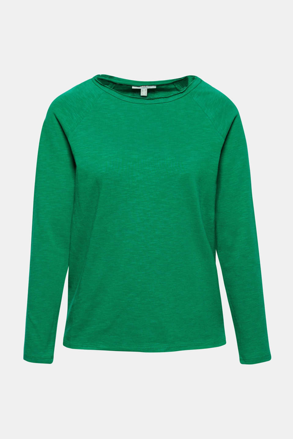 This pure cotton sweatshirt with unfinished edges is just right for a laid-back look!