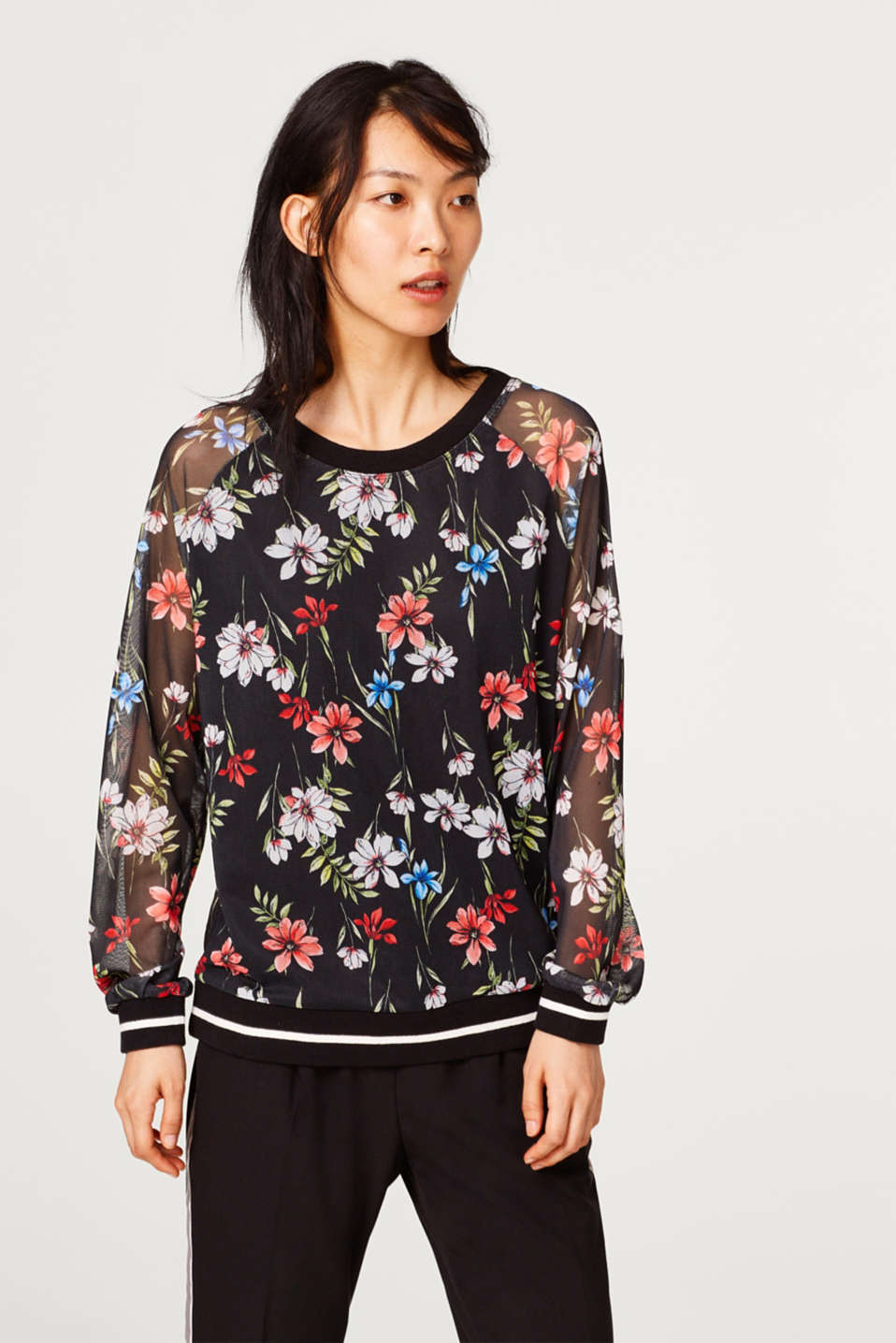 Esprit - Sweatshirt in mesh with a floral print