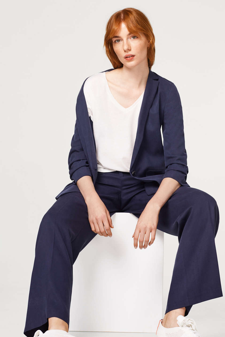 With linen: top with v-neckline