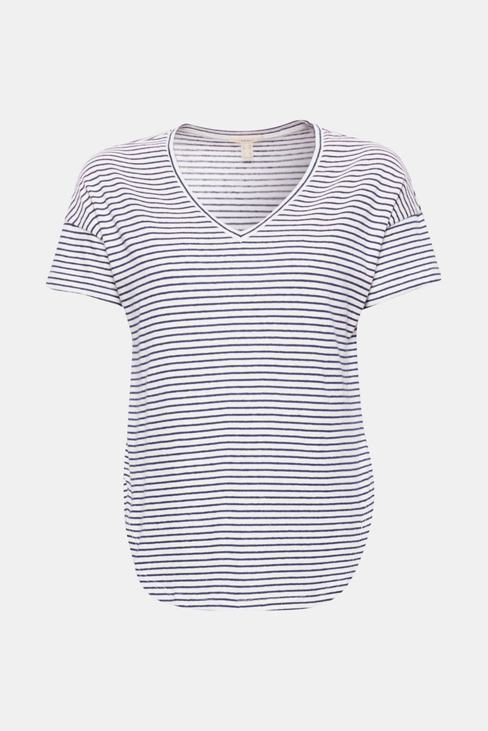 This casual cut stretch T-shirt with nautical stripes, a V-neckline and a rounded hem is simply casual.