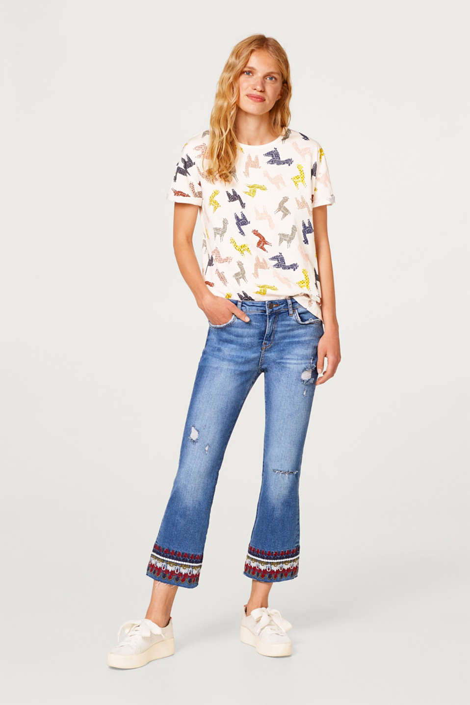 Printed T-shirt with wider sleeves